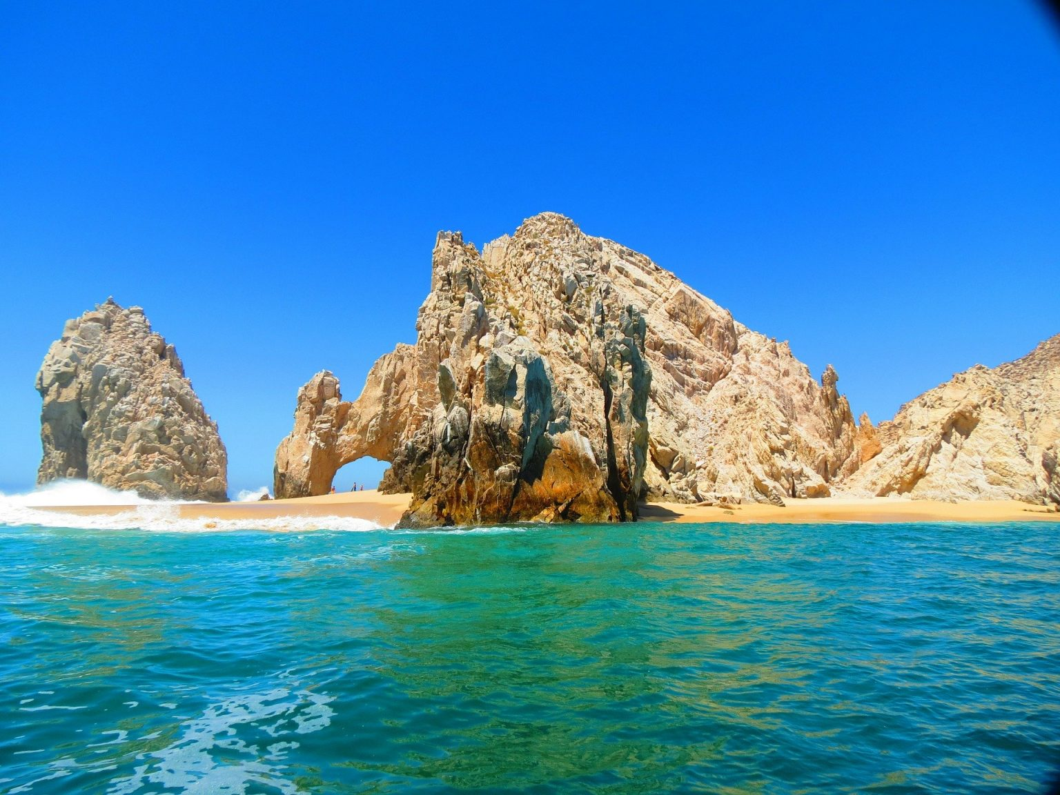 ROYAL-HOLIDAY-EL-ARCO-LOS-CABOS-1536x1152