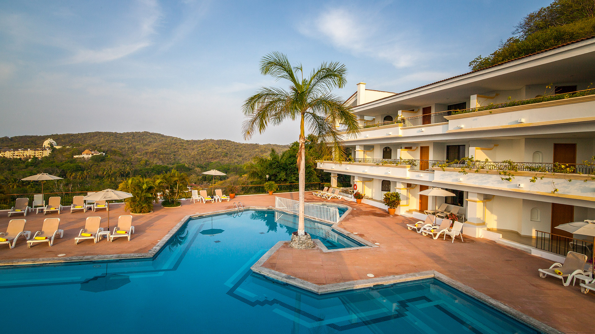 Park_Royal_Huatulco